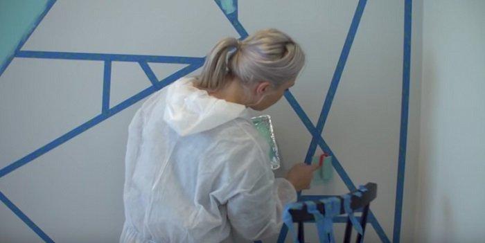 как покрасить стены краской