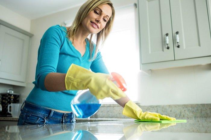 как очистить плиту от нагара