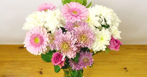 Как правильно поставить цветы в вазу: с этим советом твой букет сохранит свою красоту!