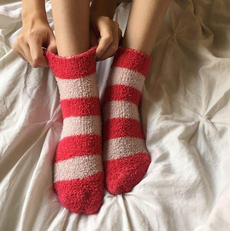 почему лучше спать в носках