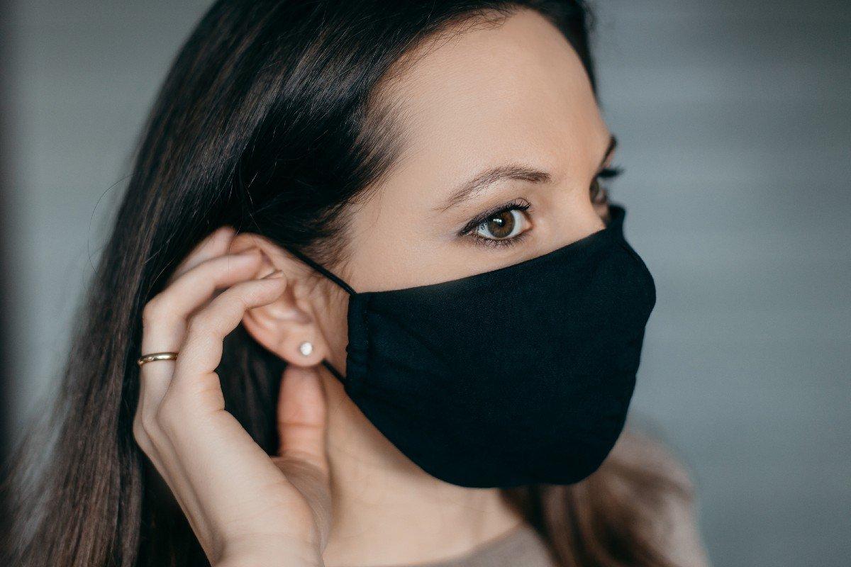Хитрые способы носить маску круглые сутки без дискомфорта и натирания Советы,Кожа,Комфорт,Лайфхаки,Маска,Удобство