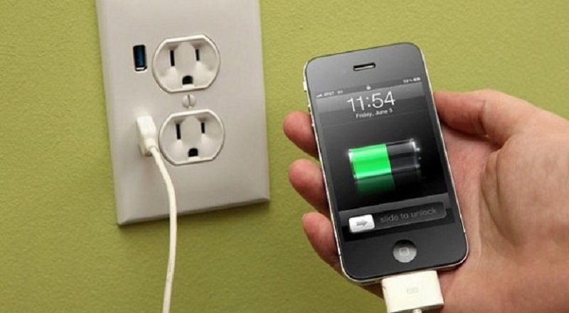 как правильно заряжать батарею телефона