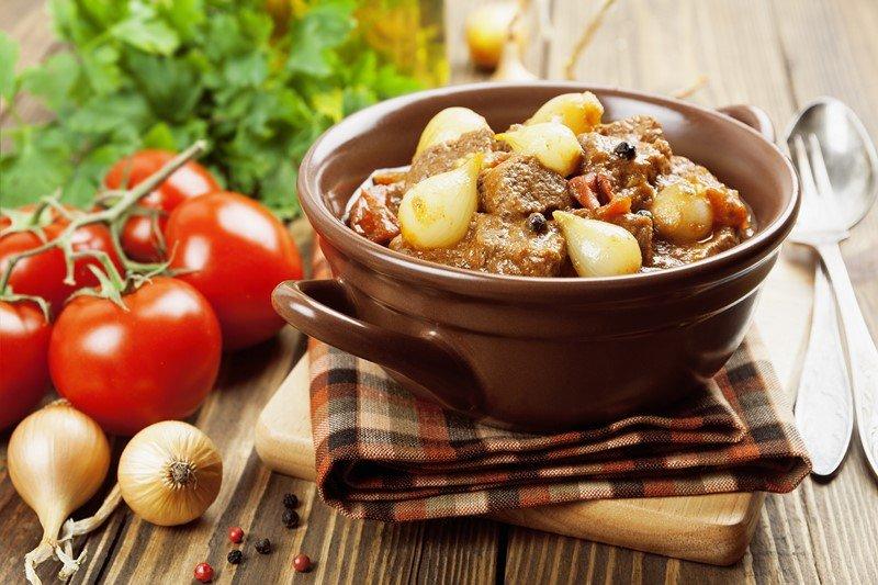 Кухня греческих евреев: вот как приготовить традиционное стифадо из говядины