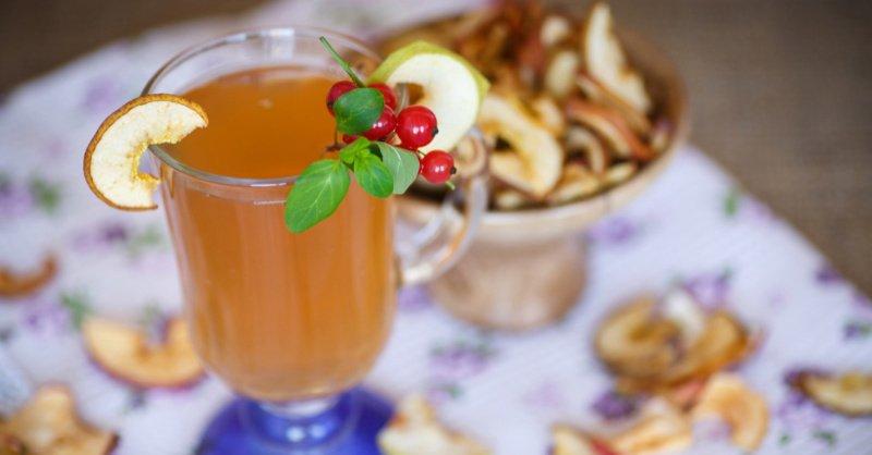 Вкусный, мягкий кисель из яблок: сытный напиток к Яблочному Спасу 19 августа!