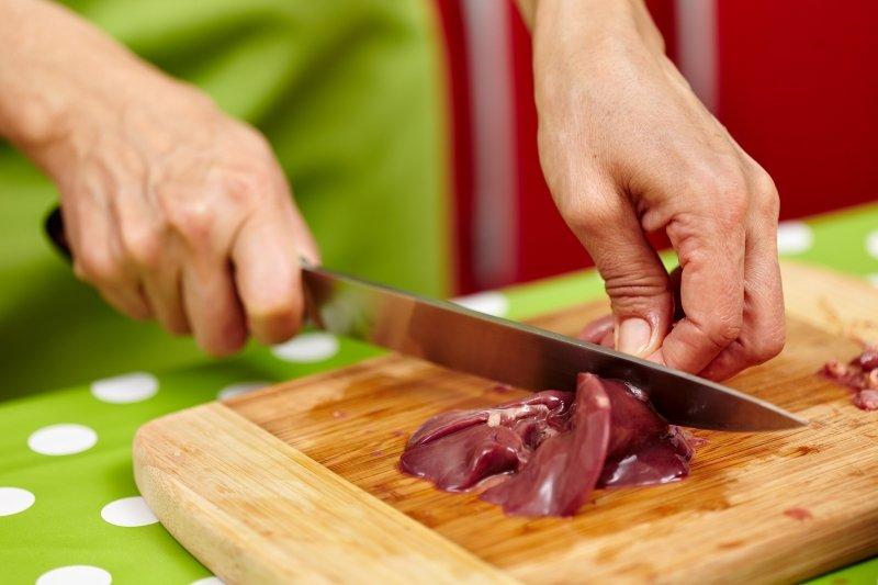 как быстро приготовить куриную печень на сковороде