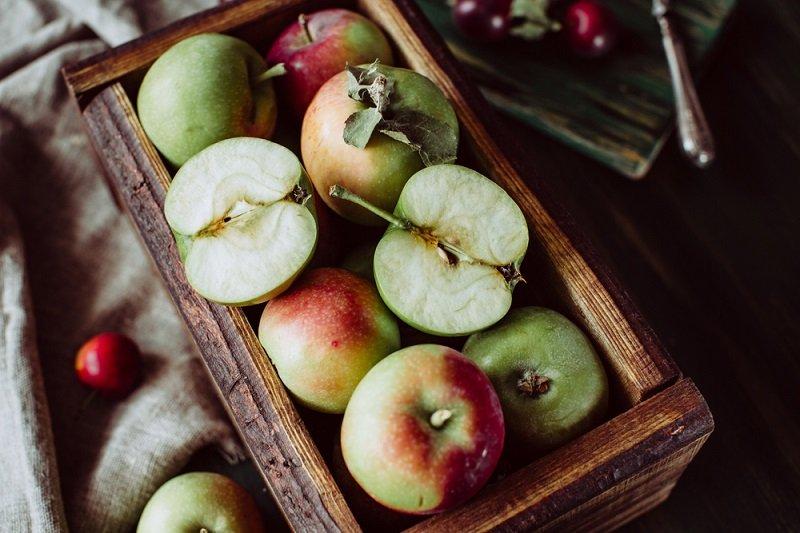 яблоки в ящике фото