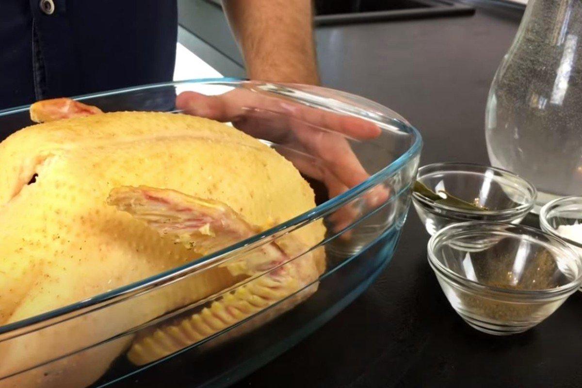 Сочная новогодняя утка в особом маринаде, которая съедается целиком Кулинария,Советы,Мясо,Обед,Яблоки