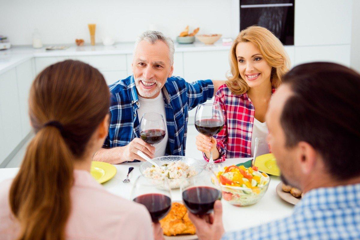 Как принимать гостей, чтобы все остались довольны