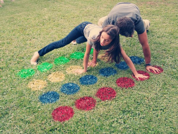 Twister v tráve