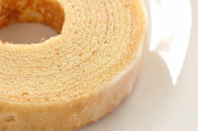 Бисквит на кефире. Низкокалорийный! По-другому бисквит теперь не готовлю.