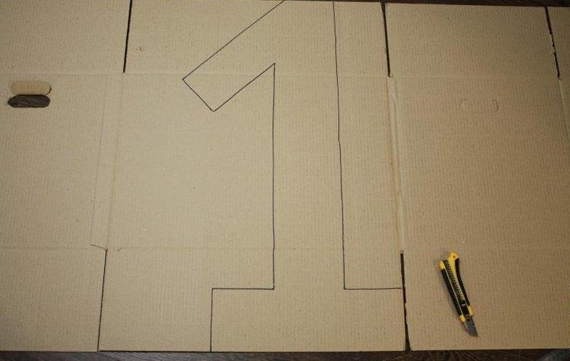 цифра из картона