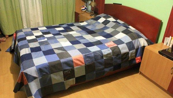 Покрывало на кровать своими руками из джинсов 89