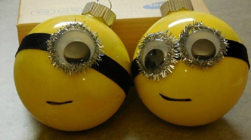 как сделать игрушки на елку из лампочек