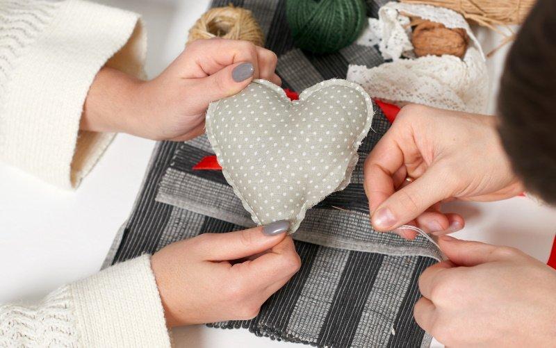 новогодние текстильные сердечки