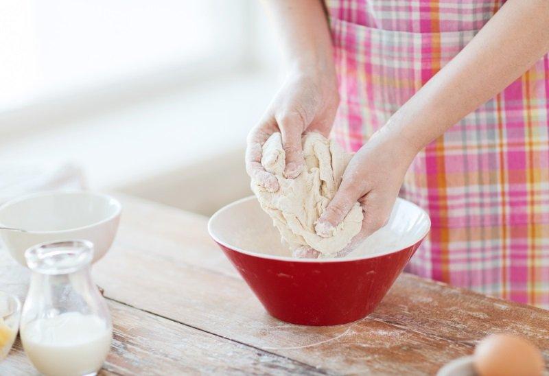 как приготовить тесто из прессованных дрожжей