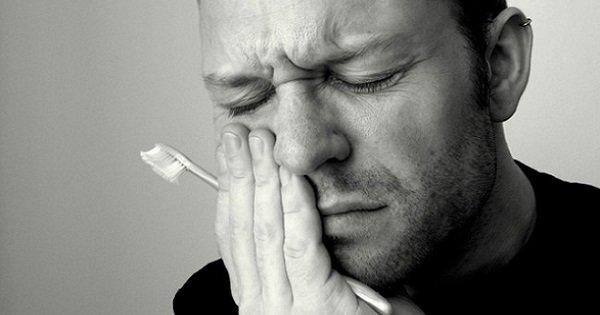 Как снять зубную боль? С помощью самых простых средств ты справишься с этой бедой!