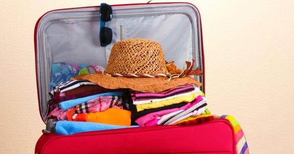 Собрать чемодан тебе кажется сложной задачей? Эта инструкция поможет тебе упаковать всё идеально!