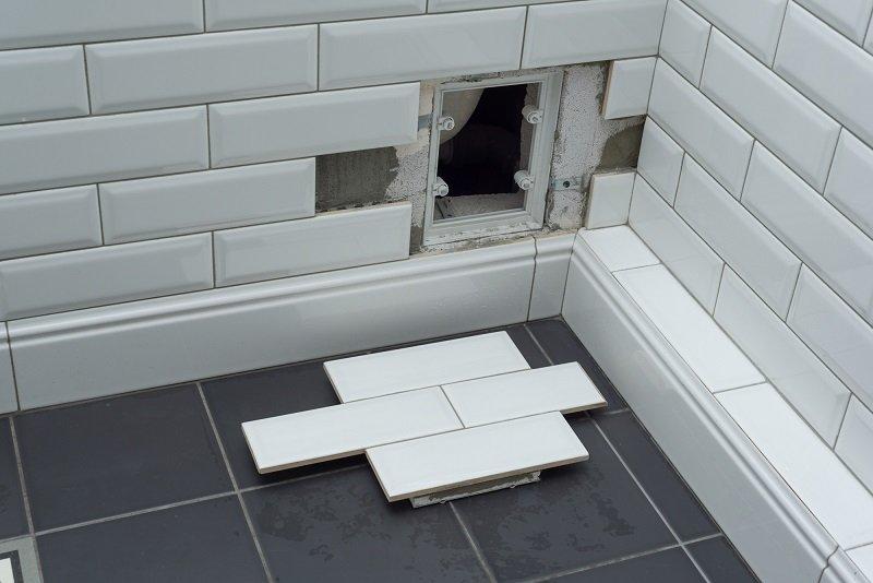 как можно спрятать трубы в ванной