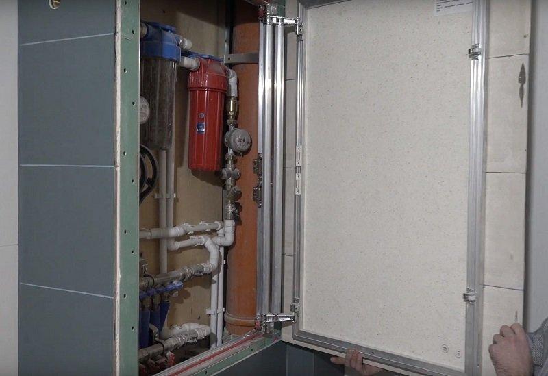 как спрятать трубу отопления в ванной