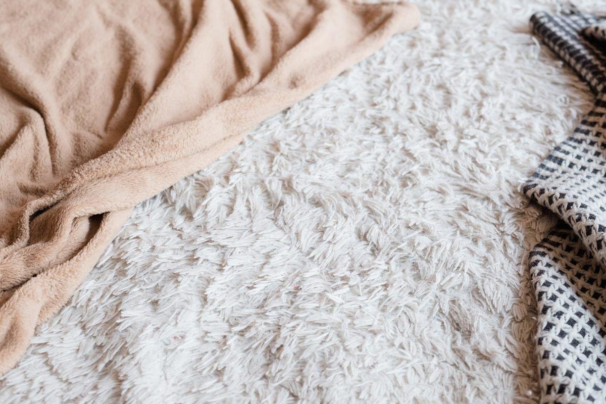 Как сшить жилетку из старого одеяла и нужна ли она