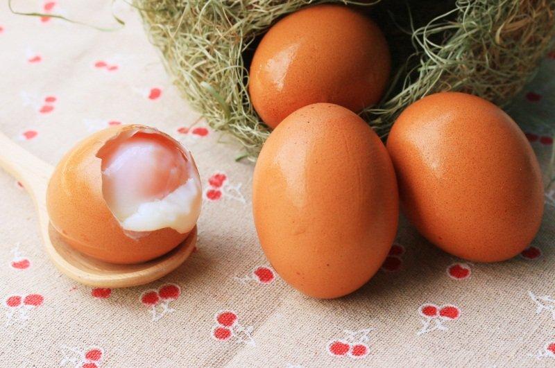 как сварить яйца всмятку