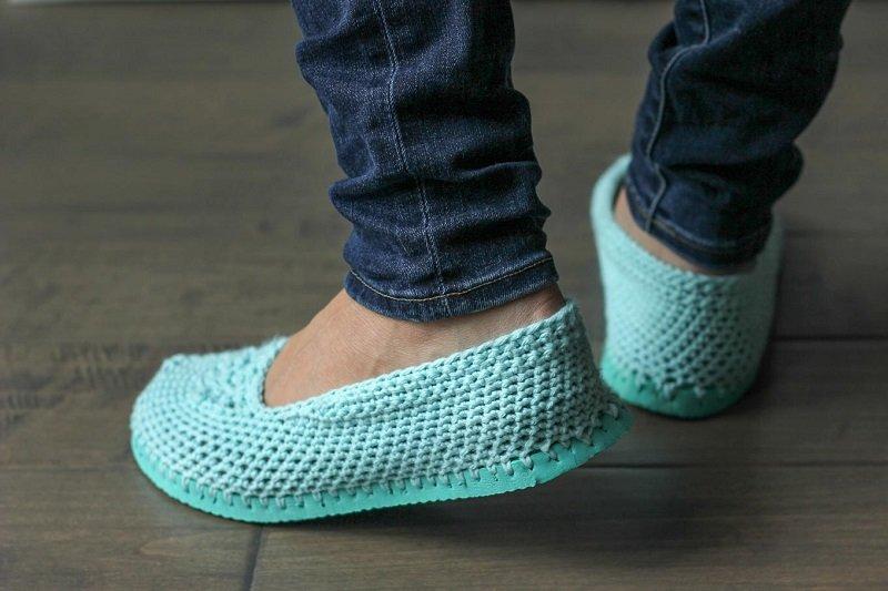 Обувь вязанная на подошве