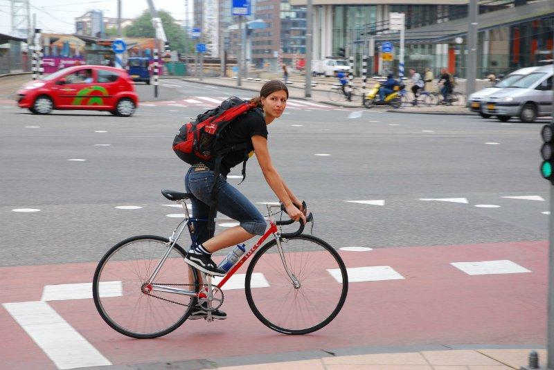 езда на велосипеде в городе