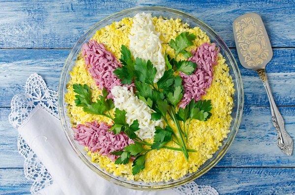 как украсить салат из печени