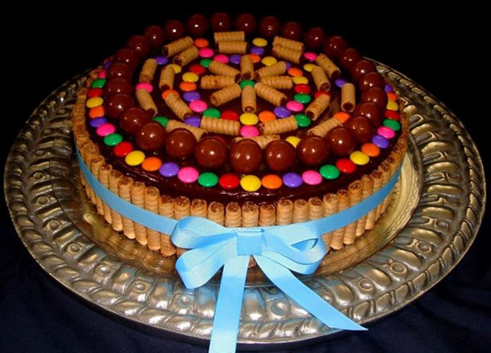 как украсить торт растопленным шоколадом