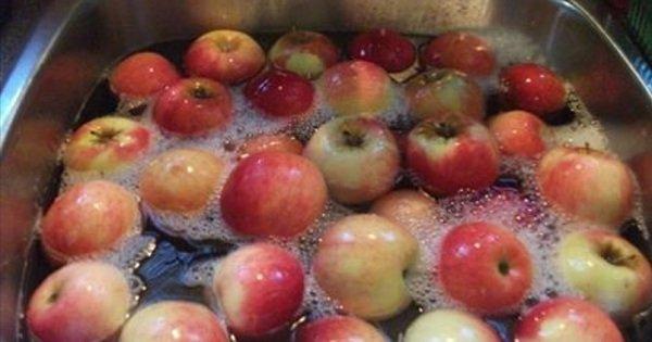 Снизь содержание пестицидов в овощах и фруктах: средство, которое есть дома у каждого.