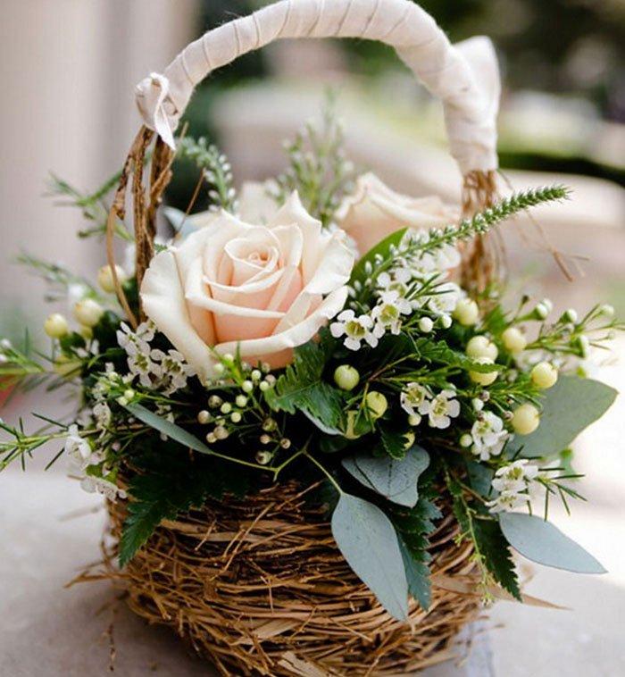 свадебные платья и букеты