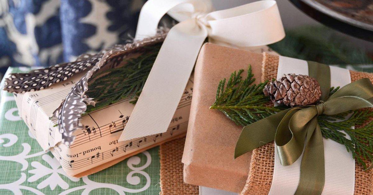 15 неотразимых идей для упаковки подарков на Новый год.