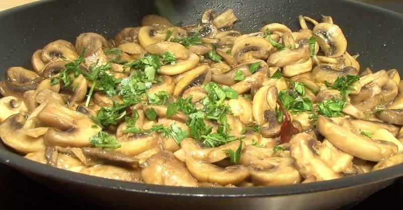 очень вкусные жареные грибы
