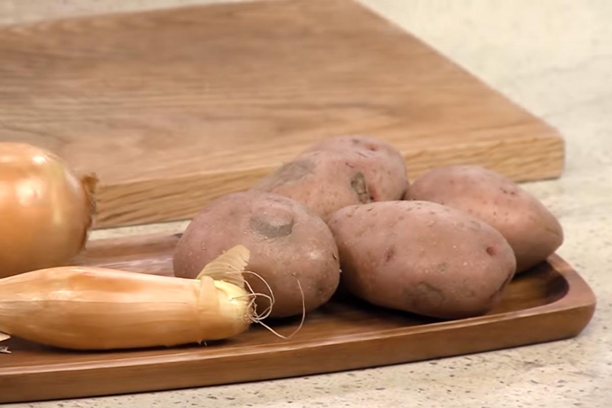 Лариса Рубальская рассказала, как пожарить картошку, которая неизбежно проложит путь к сердцу мужчины