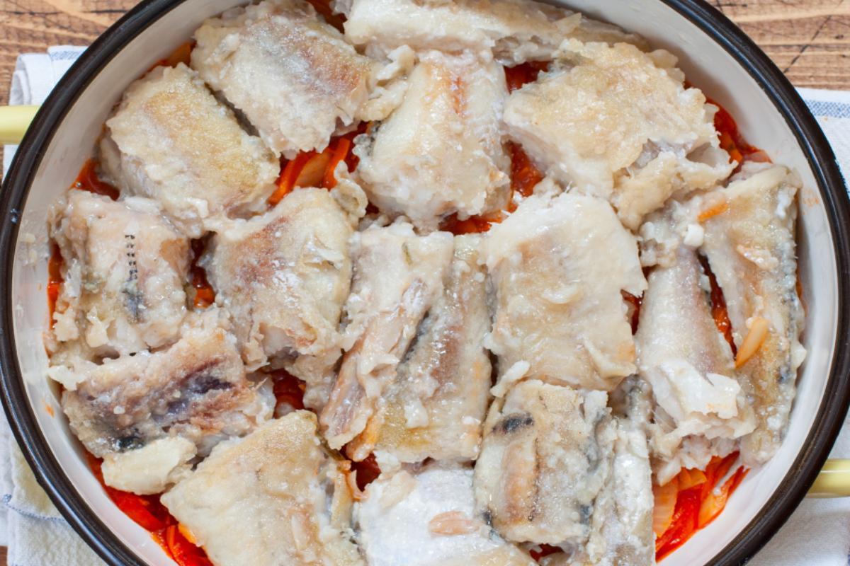 Как вкусно приготовить хек, чтобы блюдо назвали «королевским» Кулинария,Блюда,Вкус,Духовка,Запеканки,Обед,Овощи,Рыба,Соусы,Ужин