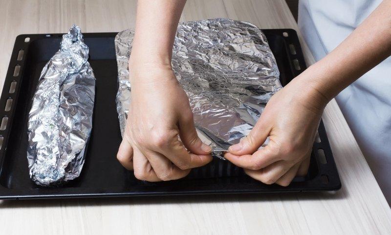 как запекать скумбрию в фольге в духовке