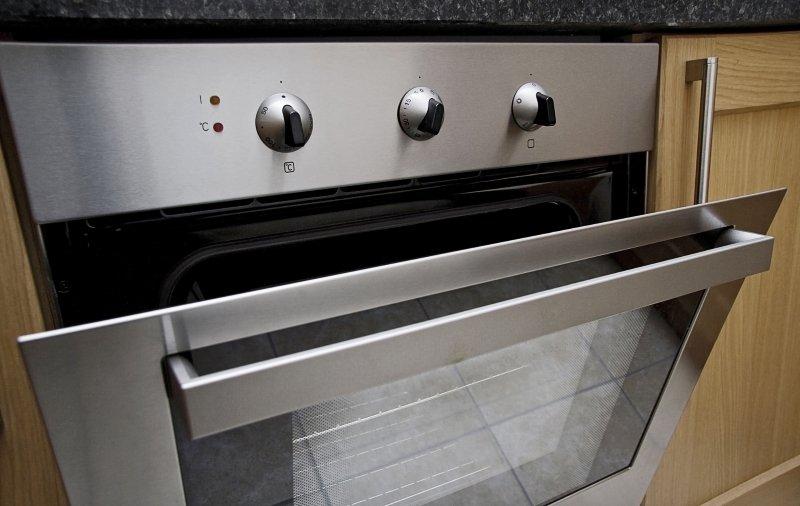 как в духовке запекать скумбрию