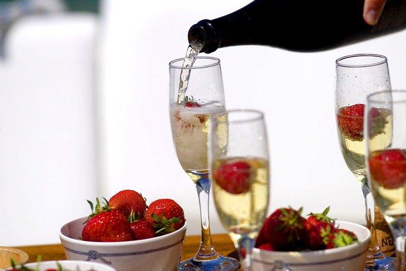 как выбрать недорогое шампанское