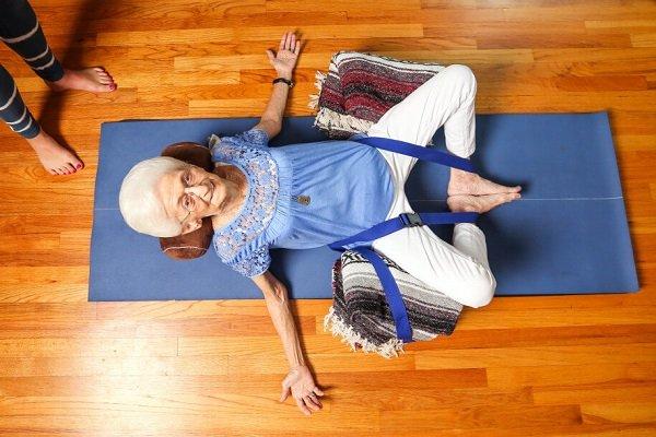 Как делать массаж пожилым людям
