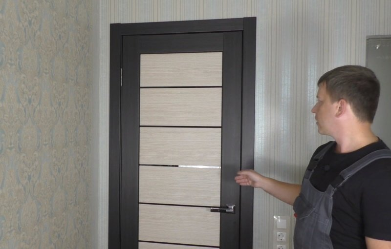 Способ исправить перекошенную дверь, подсмотренный у домашнего мастера