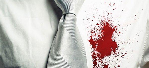 кровь на рубашке