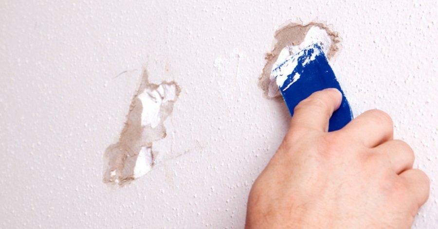 Он взял немного зубной пасты и заделал дырку в стене. Гениально!