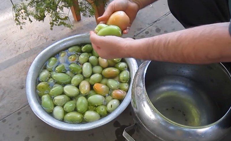 как засолить зелёные помидоры быстро