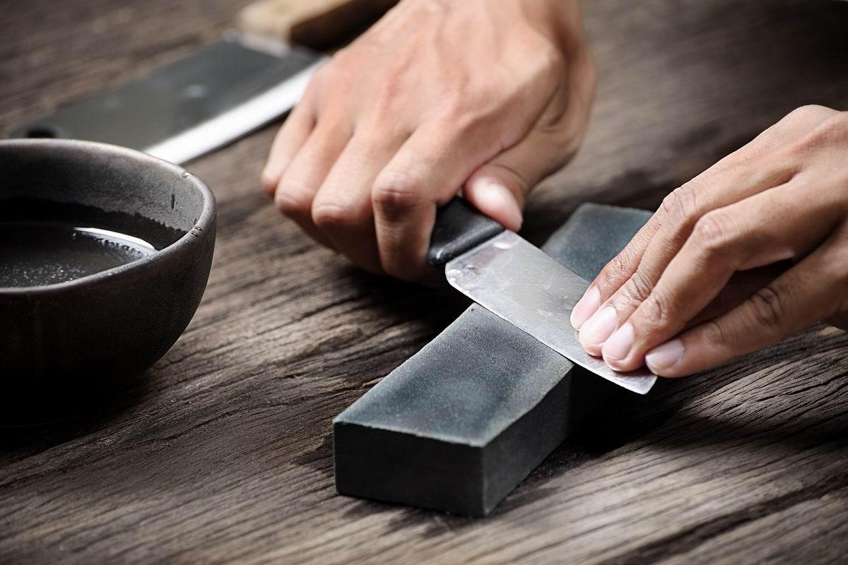 Что значит, если в доме не наточены ножи нужно, можно, ножей, лезвия, чтобы, заточить, камень, точильного, заточки, сделать, камню, наточить, усилий, условиях, точильному, углом, время, будет, кухонных, больше