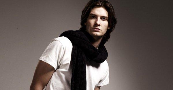 10 самых популярных способов завязать мужской шарф, которые сделают твой образ неповторимым!