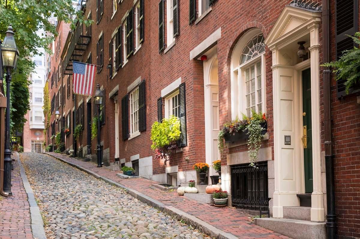 История продажи квартиры в США, что наглядно показывает разницу между нашим и американским дизайном