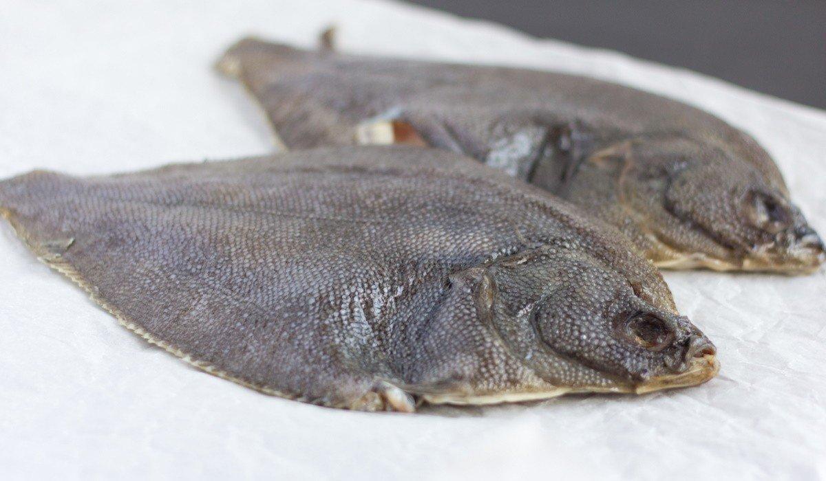 Запах жареной камбалы тесно связан с воспоминаниями об отдыхе в Одессе, самая вкусная рыба