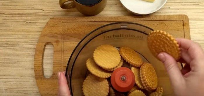 карамельный торт с орехами