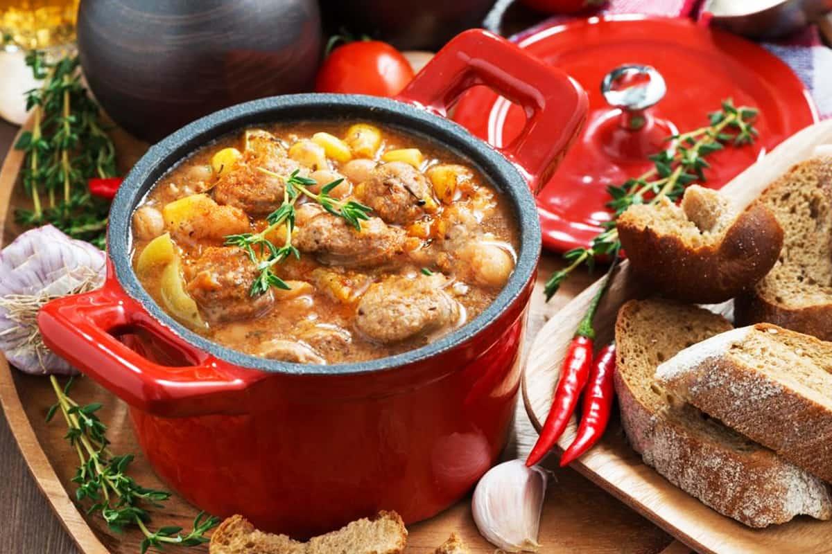 Как стушить картофель с мясом, чтобы получился пионерский идеал