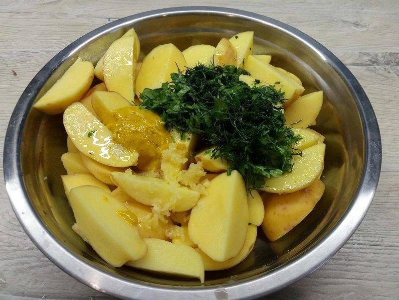 картошка в рукаве с горчицей